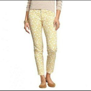 Old Navy Mid-Rise Pixie Pants Yellow Floral Print